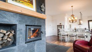Salon et foyer - Maison LEED Platine à Val Morin